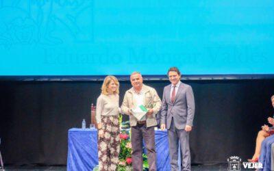 Eduardo Mongar y su familia son reconocidos por la Junta con motivo del día de Andalucía